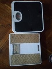 напольные весы   и гири весовые в упаковке